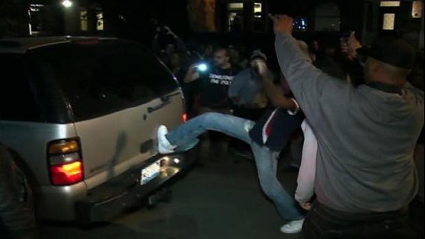 shaw-SUV kicking